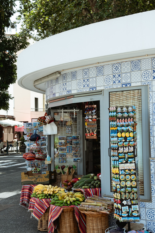 Bancada de fruta típica na ilha da Madeira