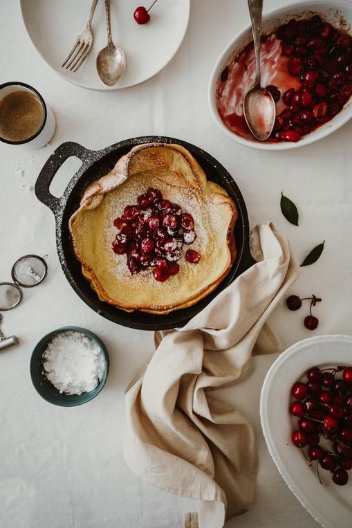 Panqueca Holandesa com Cerejas Caramelizadas
