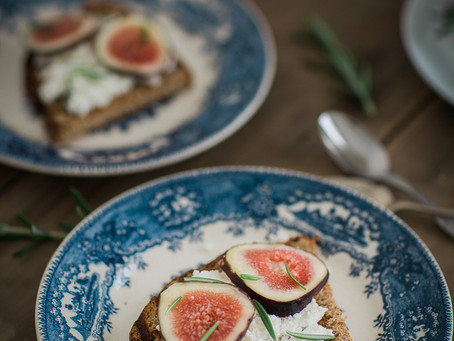 Fig, cottage cheese & rosemary Crostini