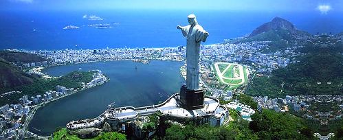 Vista aerea do Cristo Redentor e lagoa Rodrigo de Freitas