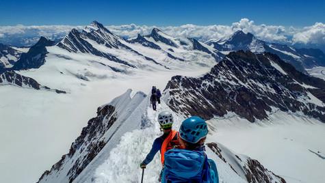 Cresta sommitale del Mönch 4107 m