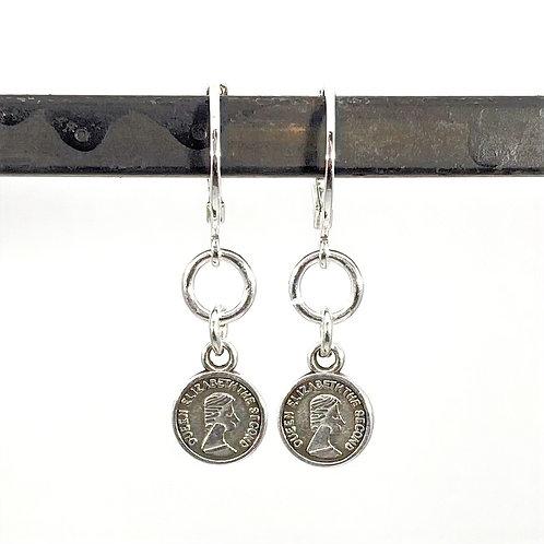 Oorbellen met silverplated muntje
