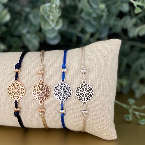 Minimalistisch armbandje met verguld of verzilverd tussenzetsel