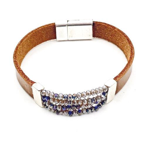 Cognac kleurig leren armband met swarovski stijl kraaltjes