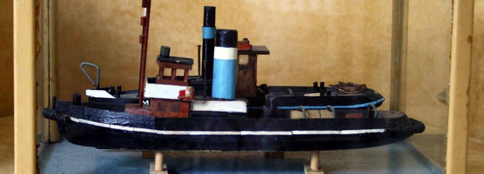 Vitrine met bootjes wordt meegeleverd