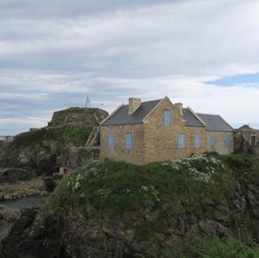 Le fort de Bertheaume gr 34 escalier grille16.JPG