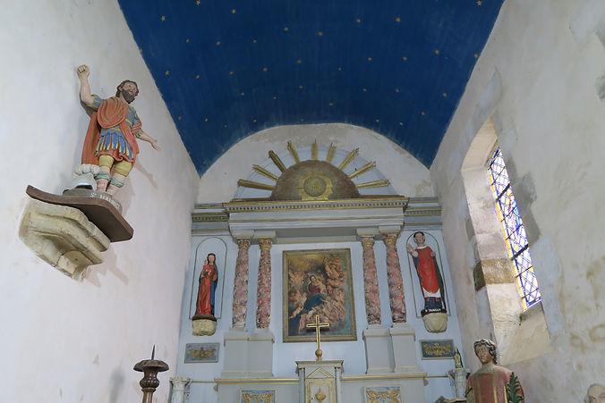 Intérieur de la chapelle du fort la latte Roche Goyon autel retable