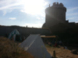 village médiéval fort la latte campement compagnie médiévales Roche Goyon