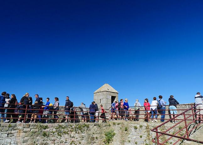 visiteurs chateau de la roche goyon fort la latte