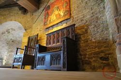 salle du donjon meuble cathédre