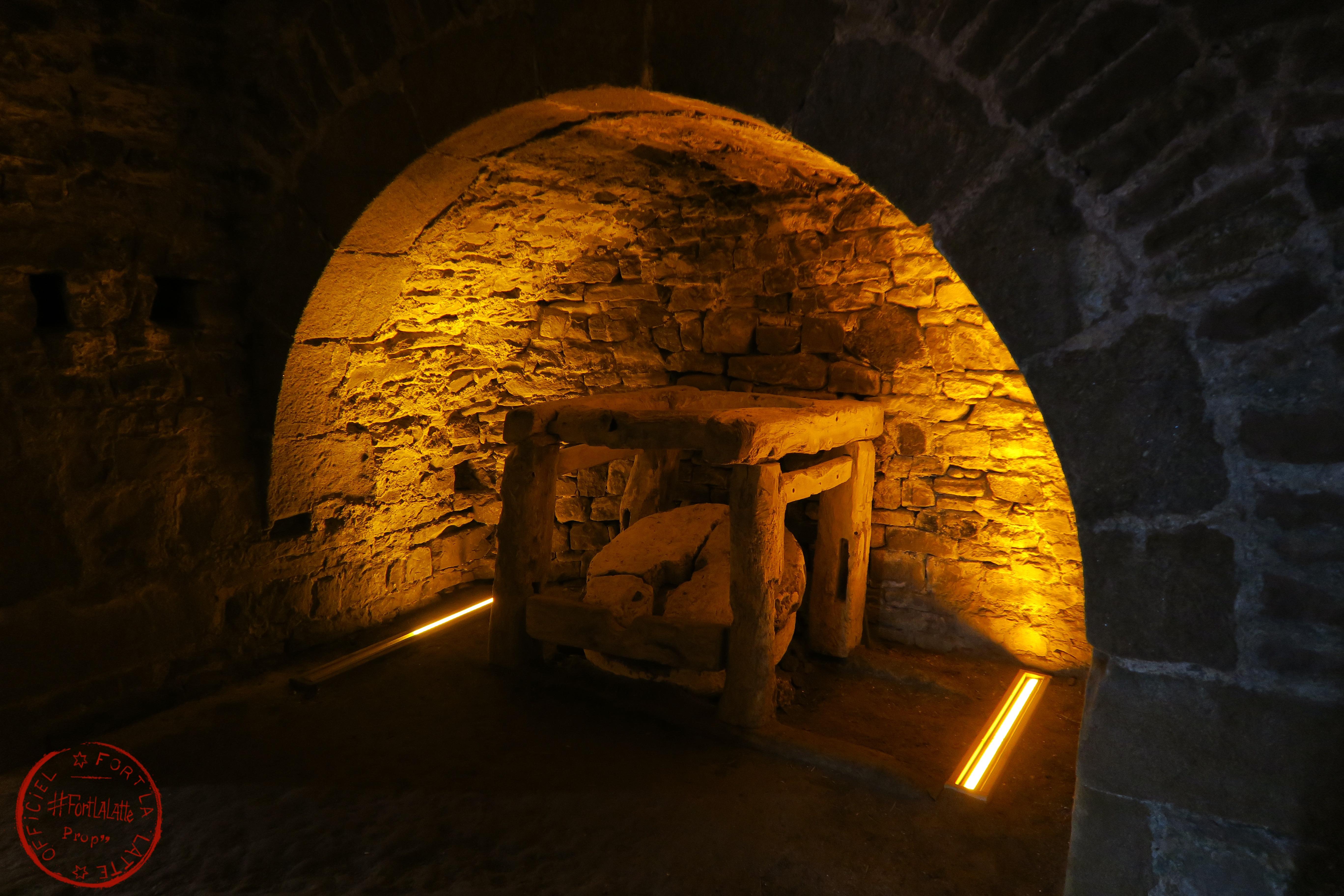 le_moulin_à_poudre_noire_fort_donjon