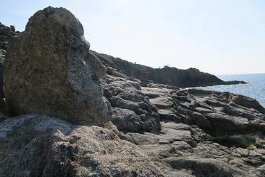 les rochers sculptés de l'abbé fourré à  Rotheneuf