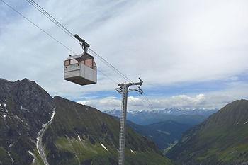 Geraer_Hütte_DAV,_Zillertaler_Alpen.jp