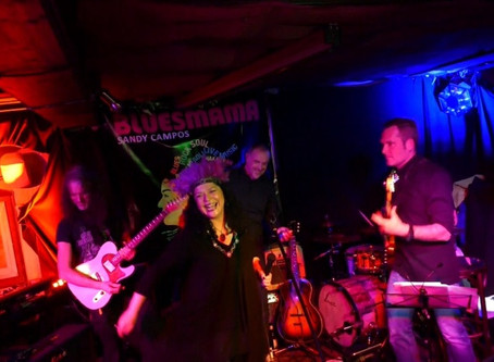 For all the Blueslovers: Bluesmama Sandy Campos & Band in der Dorfschänke