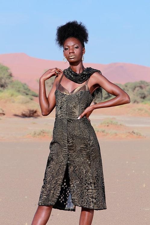"Swakara с напылением ""золото"" и кружевная юбка расшитая пайетками"