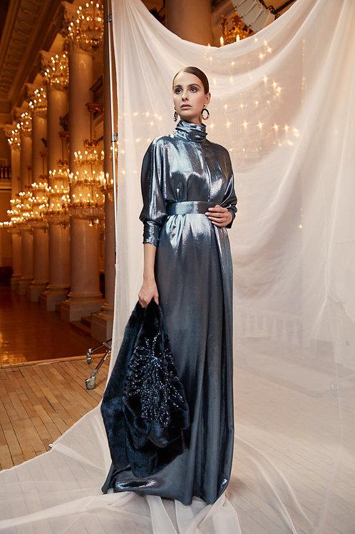 Платье из синего шелка