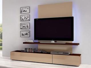 Chia sẻ kinh nghiệm chọn kệ tivi gỗ cho phòng khách thêm ấn tượng