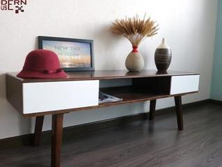 Cách chọn kệ tivi đẹp làm bằng gỗ cao su tự nhiên cho gia đình