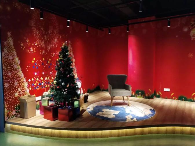 Santa corner in the Finnish pavilion
