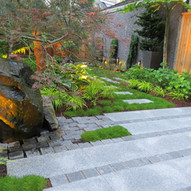 """Garden for a """"Thin House"""" in Kitsilano"""