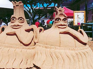 You can't have the Hawaiian Onion Fest without onion-themed sand sculptures.