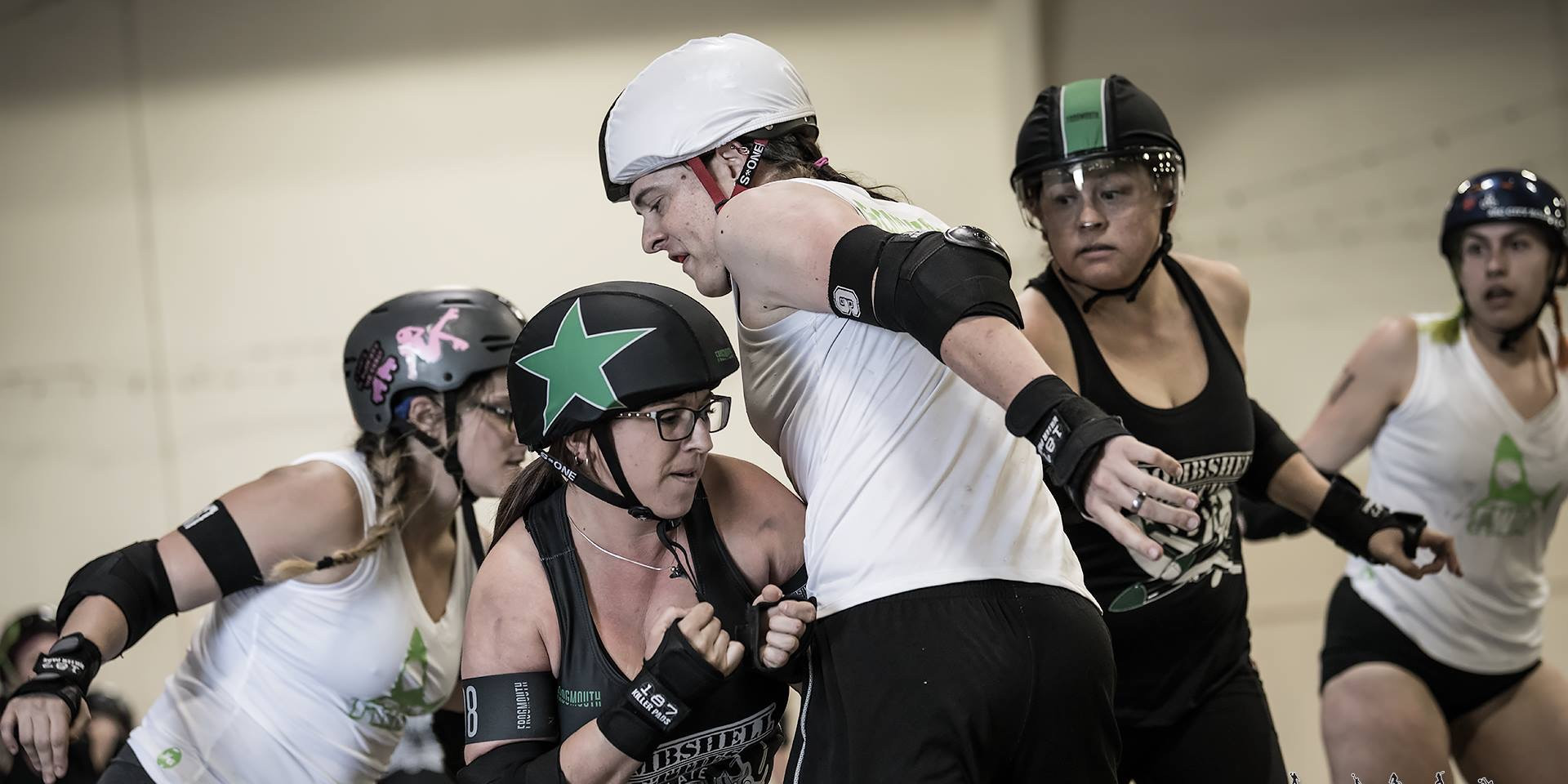 Jammer K-Loca giving a little hip action