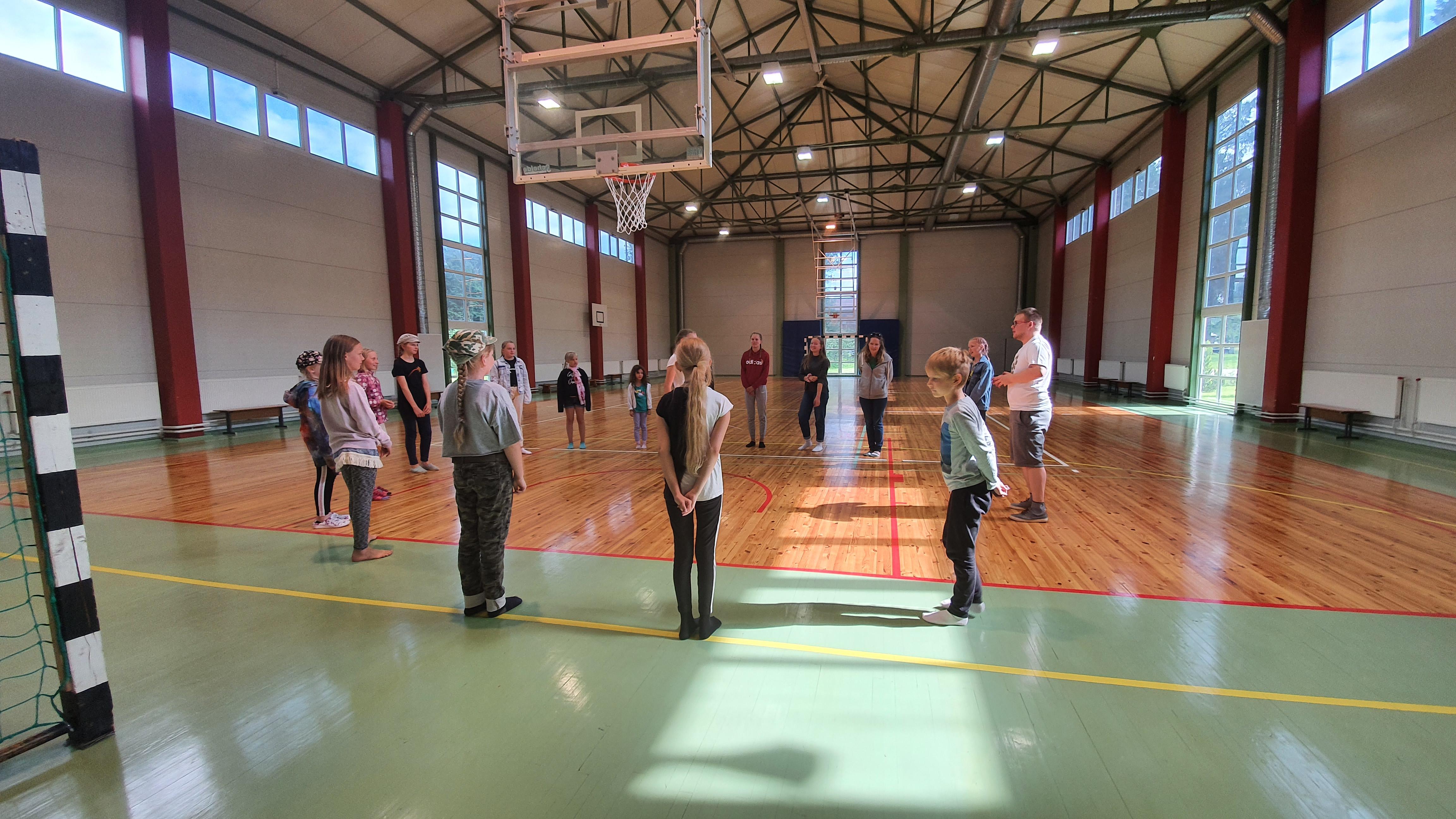 Kooli spordihoone