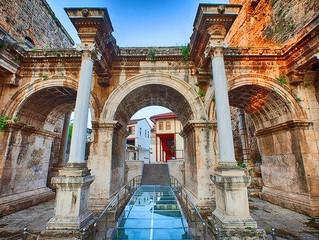 الاثار والمتاحف في انطاليا