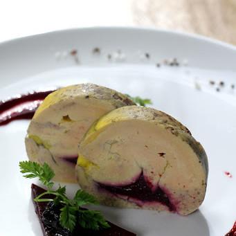 Ballottine de foie gras mi-cuit aux fruits rouges et poivre de Timut