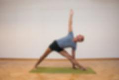 01- Yoga-Hermann Leu - Internet 72dpi 30