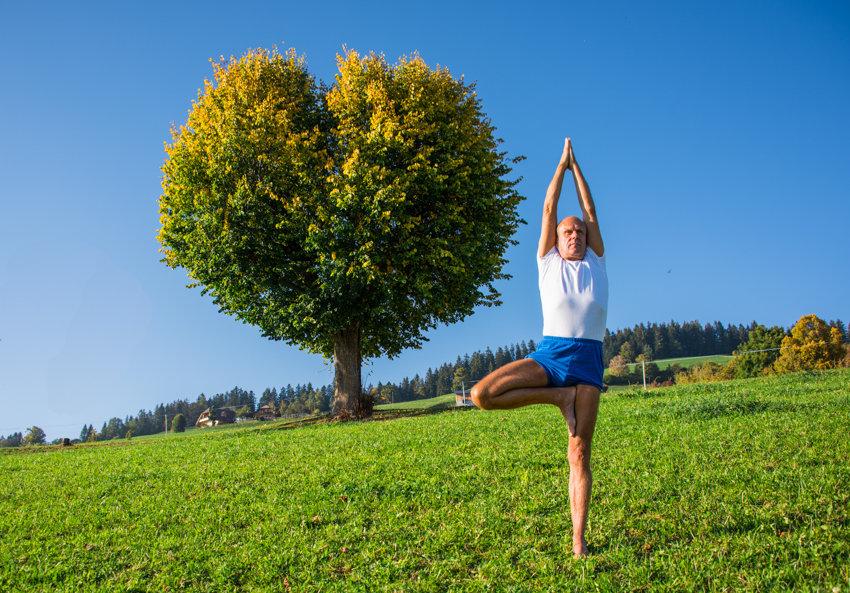12- Yoga-Hermann Leu - Internet 72dpi 30