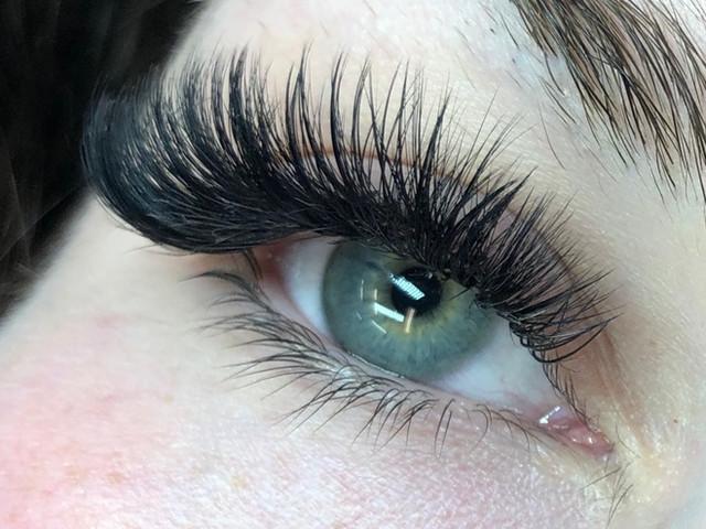 Blended Volume Eyelash Extensions