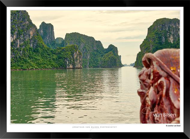 Images of Halong Bay - 018 - Jonathan va