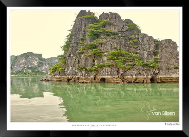 Images of Halong Bay - 023 - Jonathan va