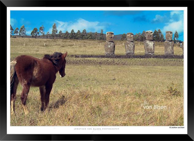 Images_of_Easter_Island_-_003_-_©_Jonat