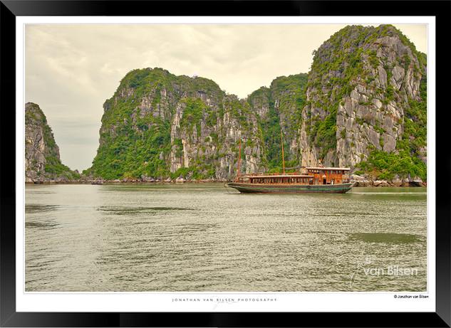 Images of Halong Bay - 008 - Jonathan va