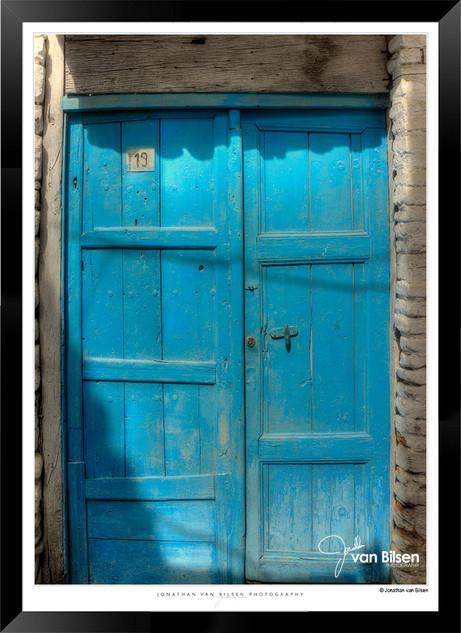 Doors_of_Asia_-__009_-_©Jonathan_van_Bi