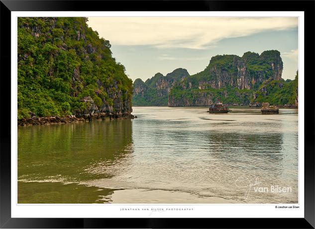 Images of Halong Bay - 015 - Jonathan va