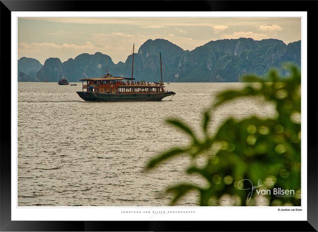 Images of Halong Bay - 002 - Jonathan va