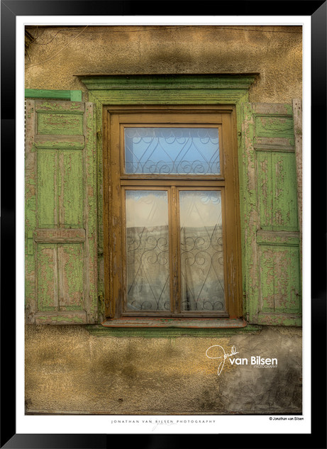 Green Shutters - IOLA-003 - Jonathan van