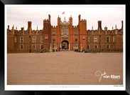 Images_of_Hampton_Court_-_002_-_©Jonath
