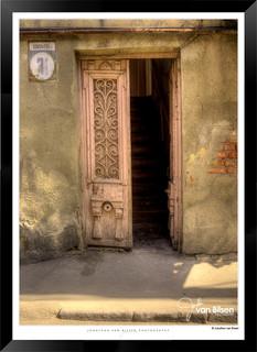 Doors_of_Asia_-__010_-_©Jonathan_van_Bi