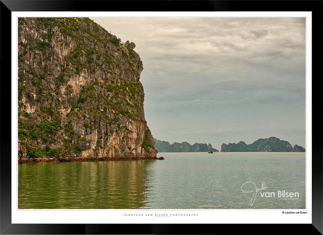 Images of Halong Bay - 004 - Jonathan va