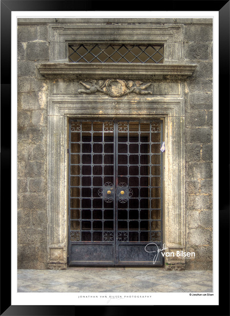 Doors_of_Europe_-_005_-_©_Jonathan_van_B