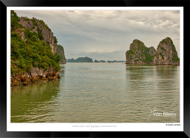 Images of Halong Bay - 006 - Jonathan va