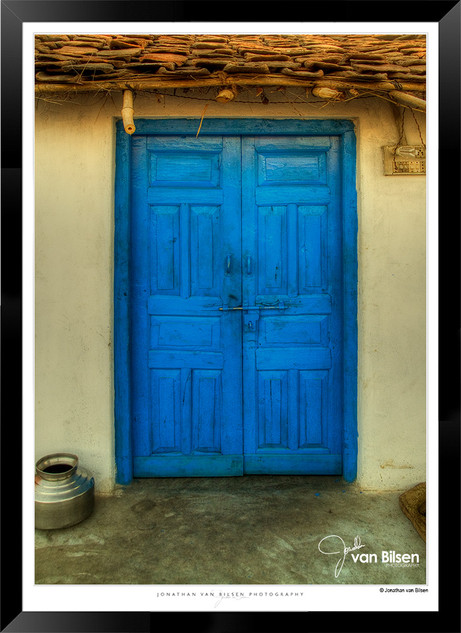 Doors_of_Asia_-__002_-_©Jonathan_van_Bi