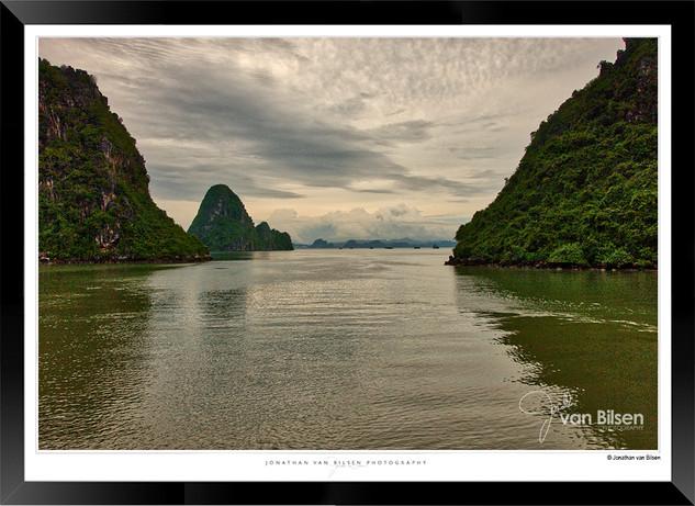 Images of Halong Bay - 014 - Jonathan va