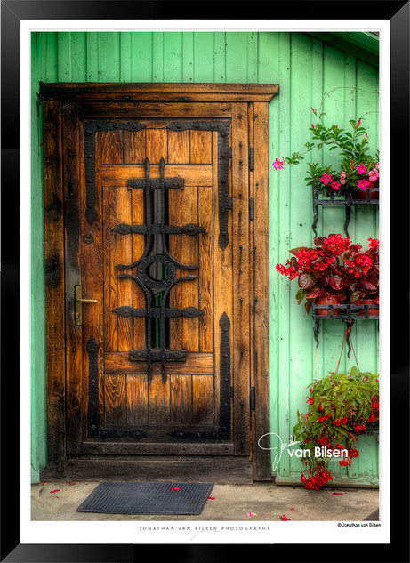 Doors_of_Europe_-_004_-_©_Jonathan_van_B