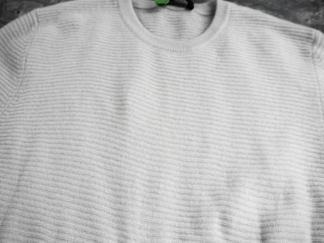 カシミアのセーターの漂白