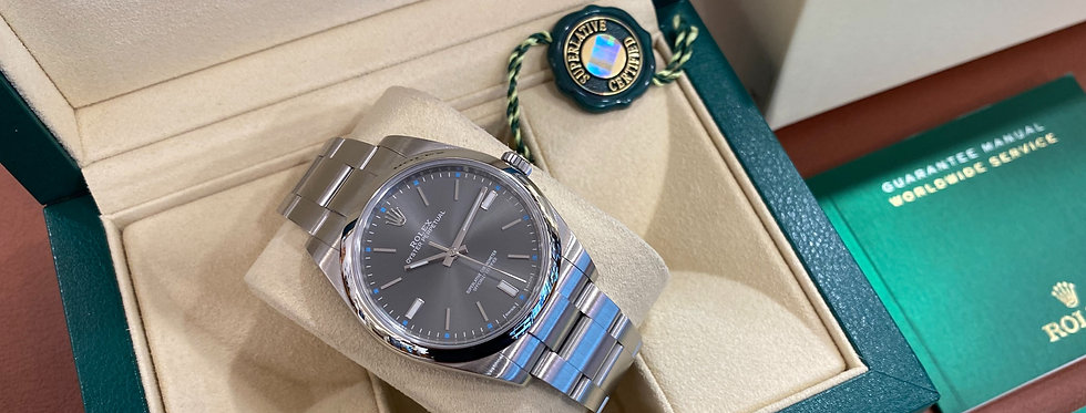 ROLEX OYSTER PERPETUAL 39 - 114300 - 7.200€